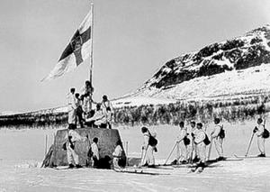 300px-Kolmen_valtakunnan_rajapyykki_27_4_1945