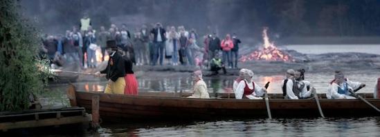 Seurasaaren-juhannusvalkeat-photo-Taneli-Eskola