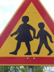 Vigyázat, gyerekek az úton !