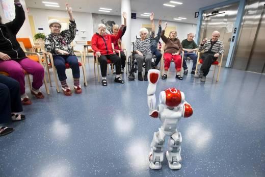 Roboti hoitotyössä