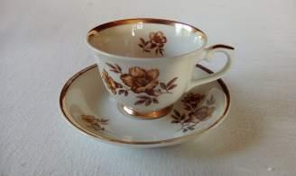 myrna-kahvikuppi-asetteineen-arabia1